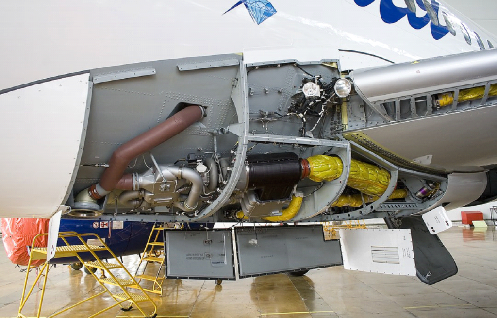 شکل : بخشی از سامانه تبرید با چرخه هوا یک هواپیمای جت